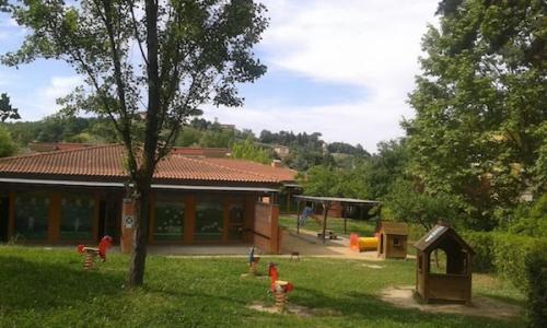 esterno scuola infanzia Pertini